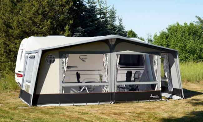 2020 Isabella Commodore Dawn Awning